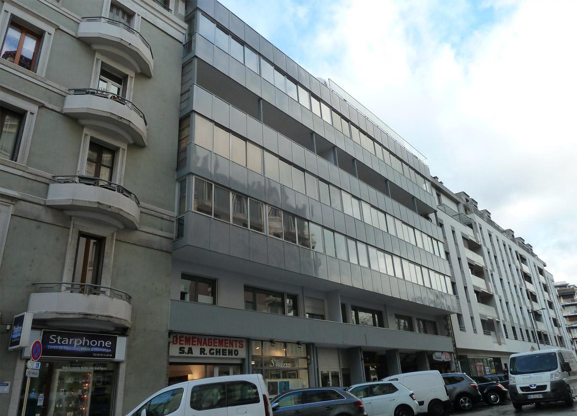 Germinal - Habillage de façade en tôle d'aluminium laquée